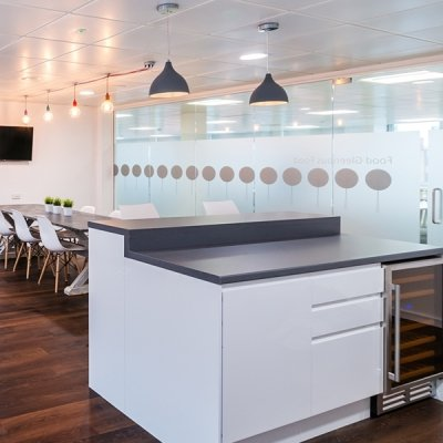 Five Benefits of Dining Areas in an Office Environment